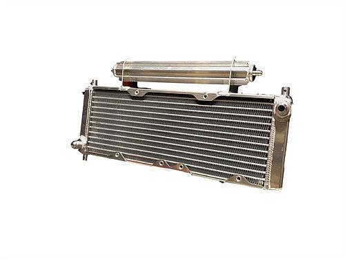 Fluidyne Performance DB-30404-LEG Fluid Cooler, 17-5/8 x 9-5/8 x 3-1/2 in, 8 AN Male Inlet, 8 AN Male Outlet, 4 AN Top Cooler, Brackets / Dual Fan Mount / Scoop Included, Aluminum, Natural, INEX / US Legends, Kit
